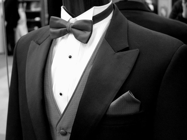 oblek na svatbu.jpg