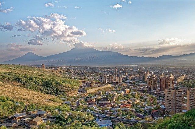 pohled na Ararat z Jerevanu