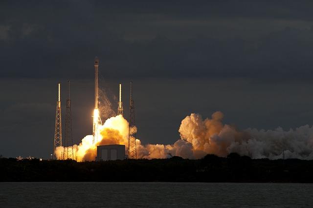 Noční start rakety SpaceX